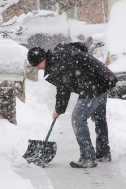01 shovel 90 5 Winter Stocks Set to Cash In on the Clean Up